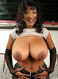 Ebony boobs